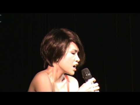 Uyen Linh - Chi La Giac Mo (Phong Tra WE).mpg