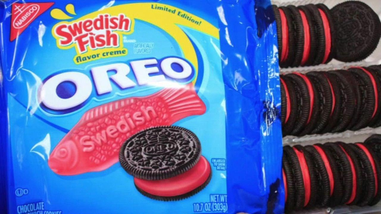 Swedish fish oreo cookie review finally youtube for Swedish fish oreos where to buy