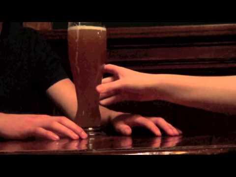 Der Ekel YouTube Hörbuch Trailer auf Deutsch
