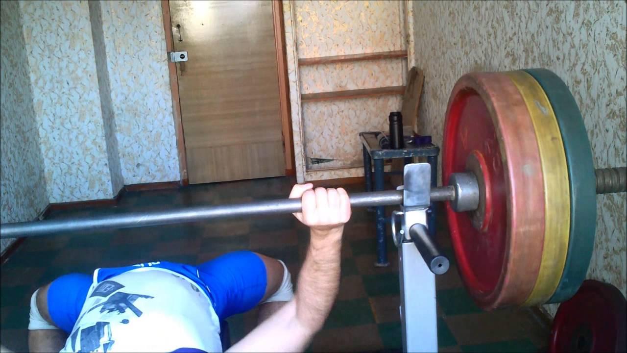 Тренировка с использованием резины (жгутов). Жим лежа с резиной #1 .