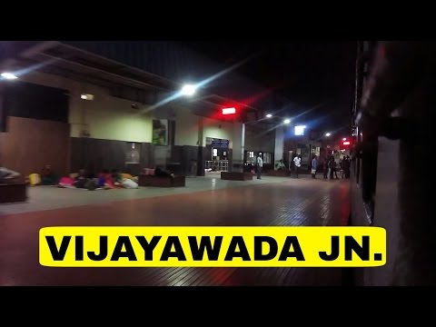 Arriving VIJAYAWADA JN at Midnight : Jaipur SuperFast Express.