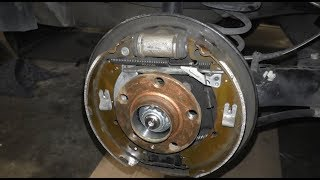 VW Polo Sedan & Skoda Rapid - Замена задних тормозных колодок
