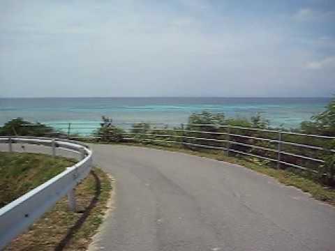 波照間島のニシ浜へ歩いて行く様子