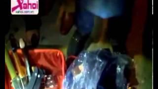 Repeat youtube video Nhật Ký 141 Mới 2013  NK141 HN _ Bắt Đối Tượng Mang Cả Kho Vũ Khí Lên Taxi - YouTube