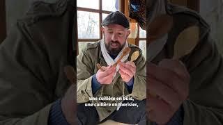 Pour vaincre la déprime, il passe 3 mois isolé dans une cabane en forêt 🏕