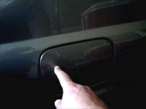 How To Open S350 Gas Tank Flap Youtube