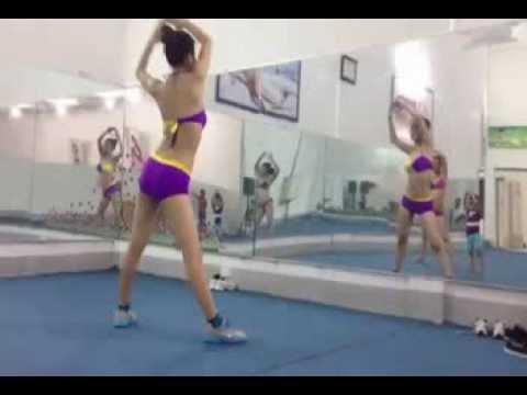 Thể dục thẩm mỹ - Thư giãn nhạc bachata 4p.LH: 0987375790