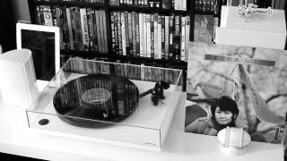 white 2013 rega RP1 turntable playing kato tokiko (sample) of japan 加藤登紀子