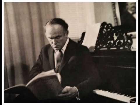 C. DEBUSSY – Suite bergamasque. S. Richter, piano. (Live, Milano 1965)