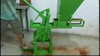 видео Пресс ручной для производства кирпича