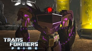 'Predacon Cloning at Shockwave's Off Site Laboratory 🔬' Official Clip | Transformer Prime Season 3