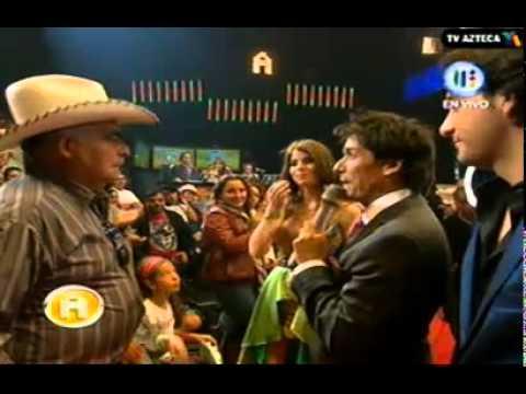 Don Antero acepta que Esmeralda y Johnny sean novios