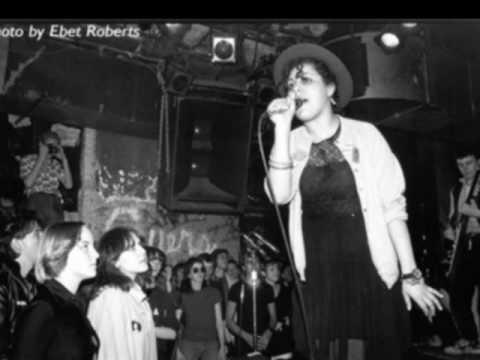 Mari Elliott (Poly Styrene) - Silly Billy - 1976