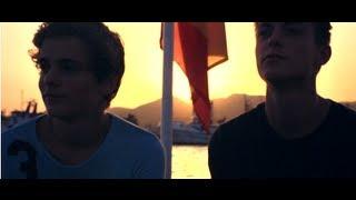 Смотреть клип Julian Jordan & Martin Garrix - Bfam