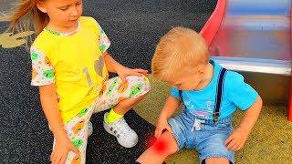 Эльвира и братик ИСТОРИЯ БУ БУ НА ПЛОЩАДКЕ для детей
