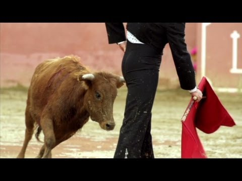 Anthony Bourdain watches bullfighting in Spain (Parts Unknown)