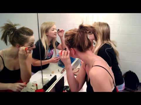 """Behind the scenes with Allegan High School's """"Cat in the Hat"""""""