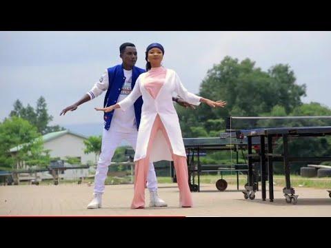 Download Sabuwar Waka (Kaddarar So) Isah Ayagi Ft Maryam Kk! Original Hausa Song video 2020#