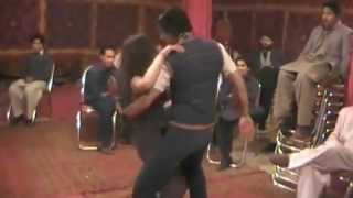 Qayamat Qayamat Pakistani couple dance in shadi