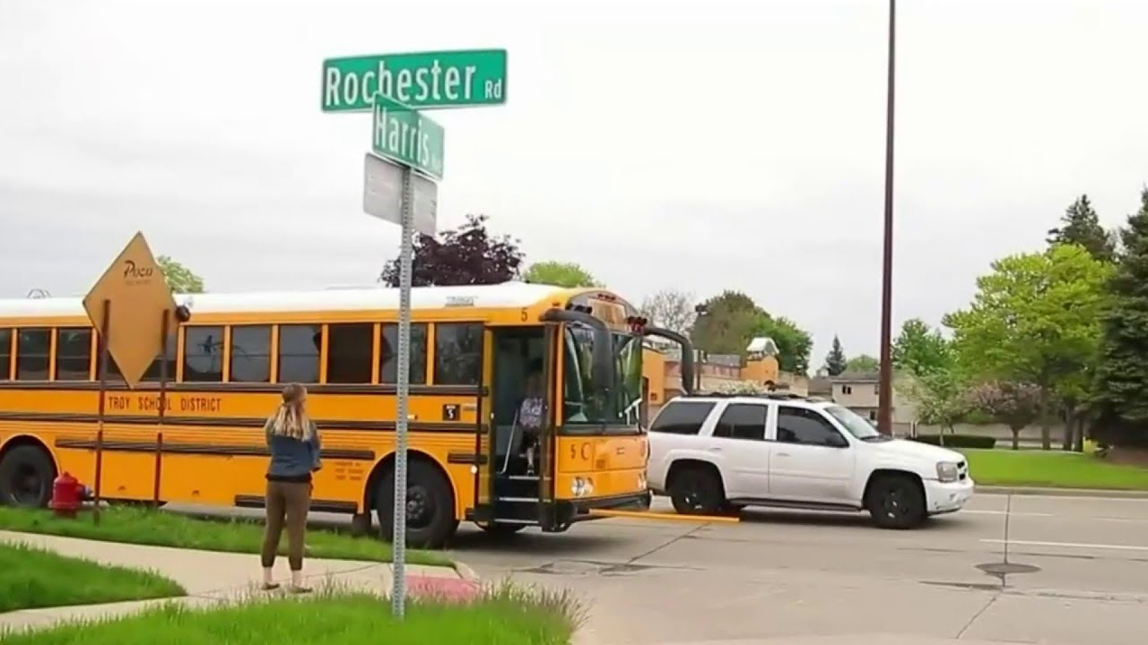 Metro Detroit drivers ignore school bus safety