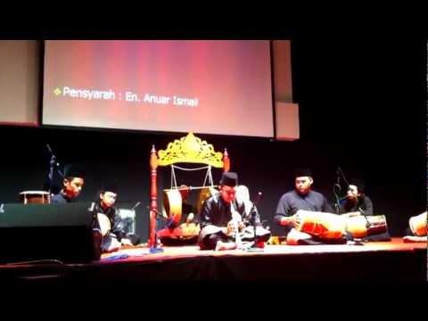 Seminar Persembahan Aswara - pelajar alat Serunai memainkan lagu Tari Inai