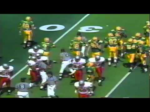 Oregon punter/kicker Tommy Thompson forces a fumble vs. UNLV 9-26-92