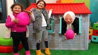 Şaşırtıcı Yumurta! Grandma Kids Pretend Play In Real Life Surprise Eggs with toys Funny Kids Video