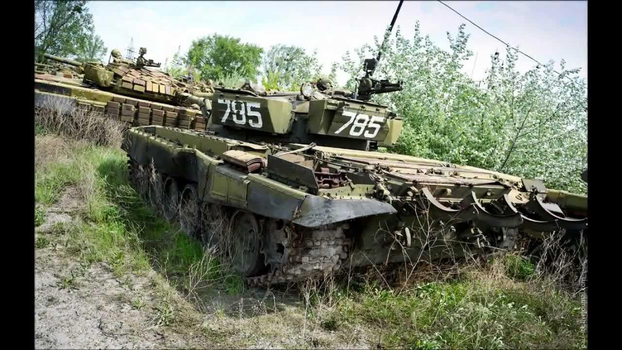 Видео с брошенной украинской танковой базы под Харьковом.