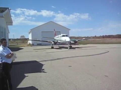 Atterrissage d'un Beech King Air 100