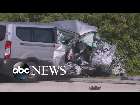 Van carrying college rowing team crashes, killing 1