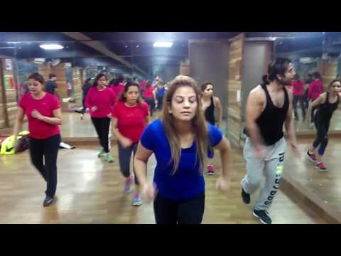 Tirchi topi wale/ Bollywood obsession / Zumba
