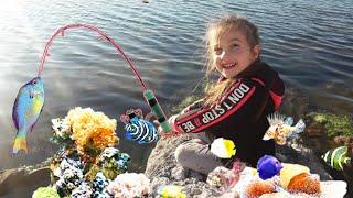 Barbie ve Duru  Denizde Balık Tutuyor _  Eğlenceli Çocuk Videosu