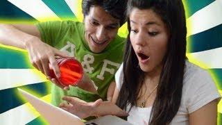 Broma: Se me cae el agua en tu laptop | LOS POLINESIOS BROMAS PLATICA POLINESIA