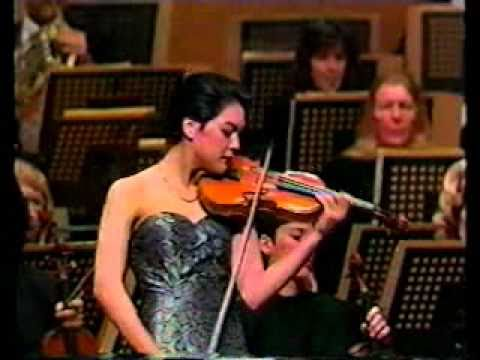 Anne Akiko Meyers Performs the Bruch Scottish Fantasy with the St.Louis Symphony and Leonard Slatkin