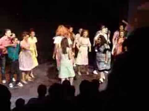 HAIRSPRAY - Welcome to the sixties -Tracy Turnblad (Michelle) 9-2013