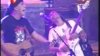 Untuk Para Pengabdi -- IWAN FALS (Konser 1 untuk Indonesia 16-08-2009).flv