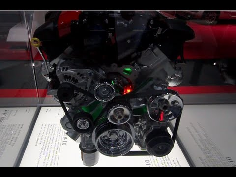 Viper SRT-10 V-10 Engine Display – LA Auto Show 2012 (CarNinja)