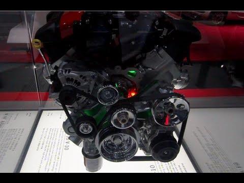 Viper SRT-10 V-10 Engine Display – LA Auto Show 2012 (CarNinja)