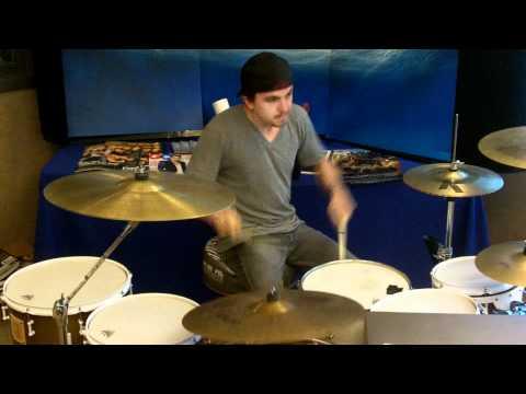Frankie Muniz rocks it out!!!