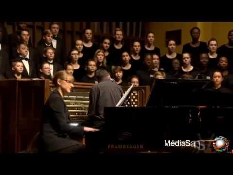 "Canadian Christmas Choir Sings Arabic - French Song ""Al Hamdulilah"