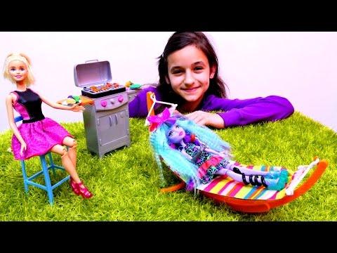 Игры Барби Видео PlayLAPLay Барби и Кен Едут на Пляж