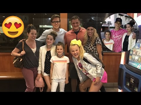 Hanging with JoJo Siwa, Rebecca Zamolo, Matt Slays, and Hayd