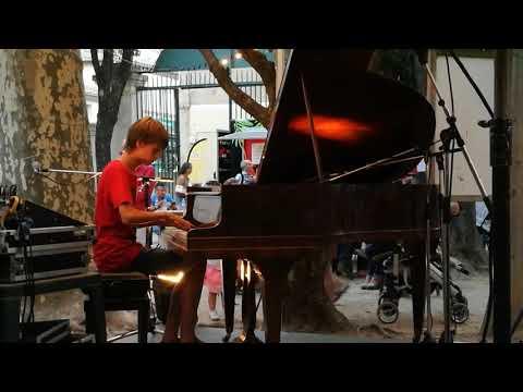 Vilega - Un Piano Sous Les Arbres