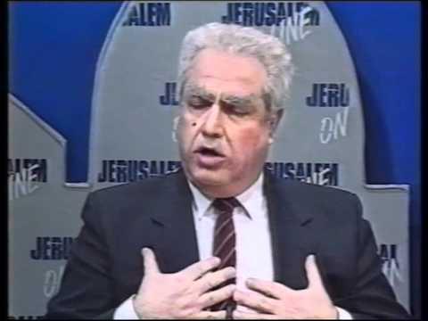 Tuvia Tsafir as Shamir and Gorbachev (Jerusalem Online)