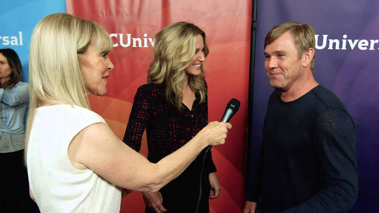 Download Jennifer Nettles and Ricky Schroder put on Dolly Parton's 'Coat' (Episode 64)