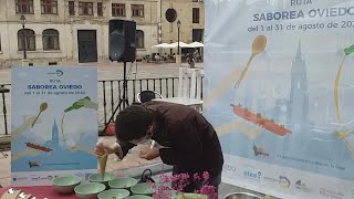 El chef Rubén Morán prepara la tapa 'Saborea Oviedo'