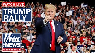 Download lagu Trump holds 'Keep America Great' rally in Iowa