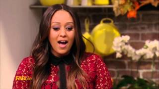 Chrissy Teigen and Tia Mowry Make Mac and Cheese