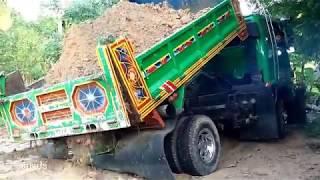 ติดหล่มทุกคัน มันทุกเม็ด!!! รถบรรทุก 6 ล้อ ติดหล่มรัวๆเลยครับDump Truck