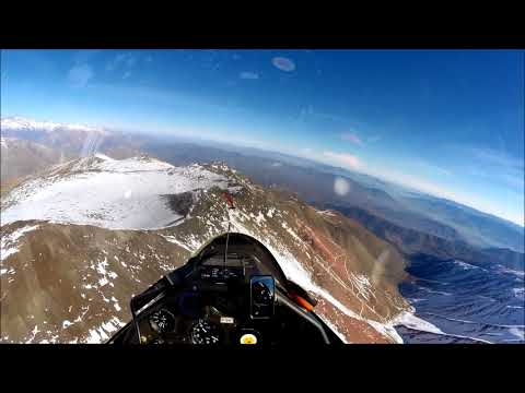 strong turbulence in andes mountains sailplane